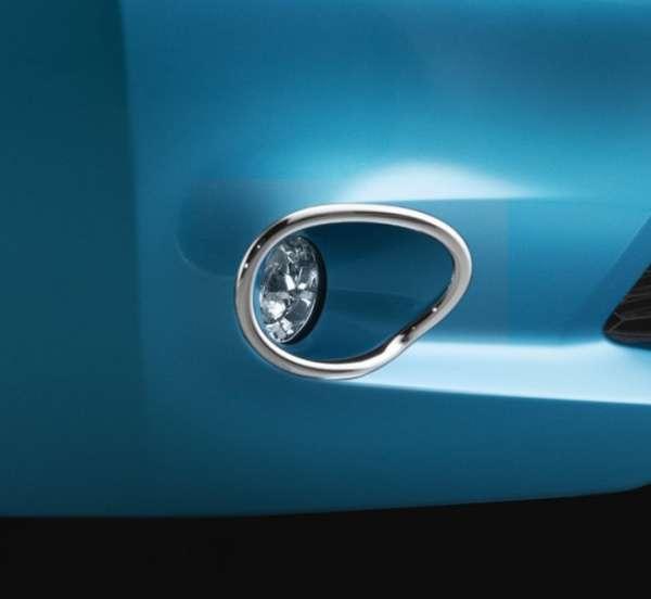 Nebelleuchtenumrandung Nissan Leaf ZE0 2013/02-