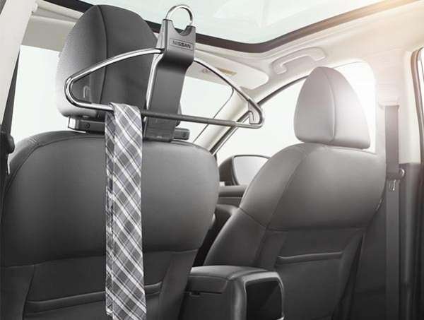 Kleiderbügel Nissan Note E11